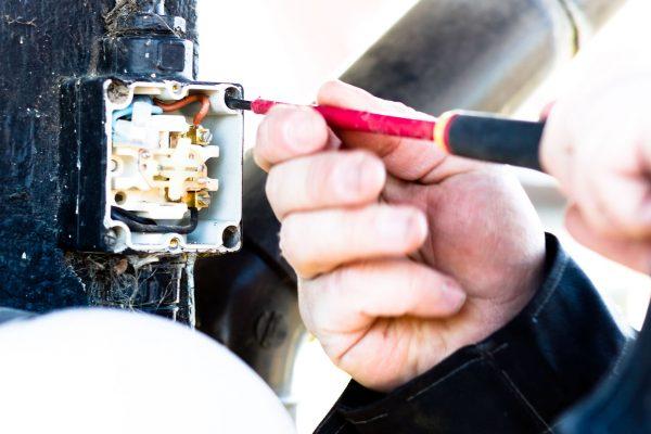 Hvad kan denne Elektriker i Valby hjælpe dig med?